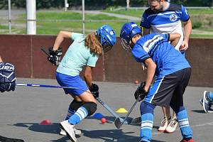 Hokejbalisté SK Kelti 2008 rekonstruují i trénují.