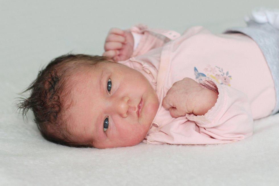Anna Černá se narodila 9. července 2021 v Příbrami. Vážila 3510g. Doma v Podlesí ji přivítali maminka Radka, tatínek Ivan a tříletá Ema.