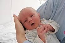 Do Litně přibyl ve čtvrtek 15. července nový občánek. Je to kluk, jmenuje se Davídek a narodil se manželům Aleně a Davidovi Hupákovým. Po příchodu na svět Davídkovi navážily sestřičky v porodnici 3,44 kg a naměřily 51 cm.