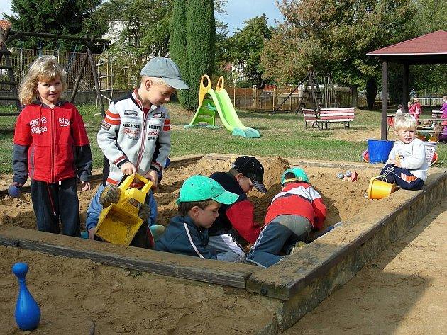 Školka v Komárově