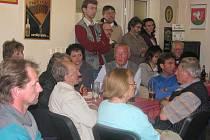 Zasedání zastupitelů navštívily desítky lidí