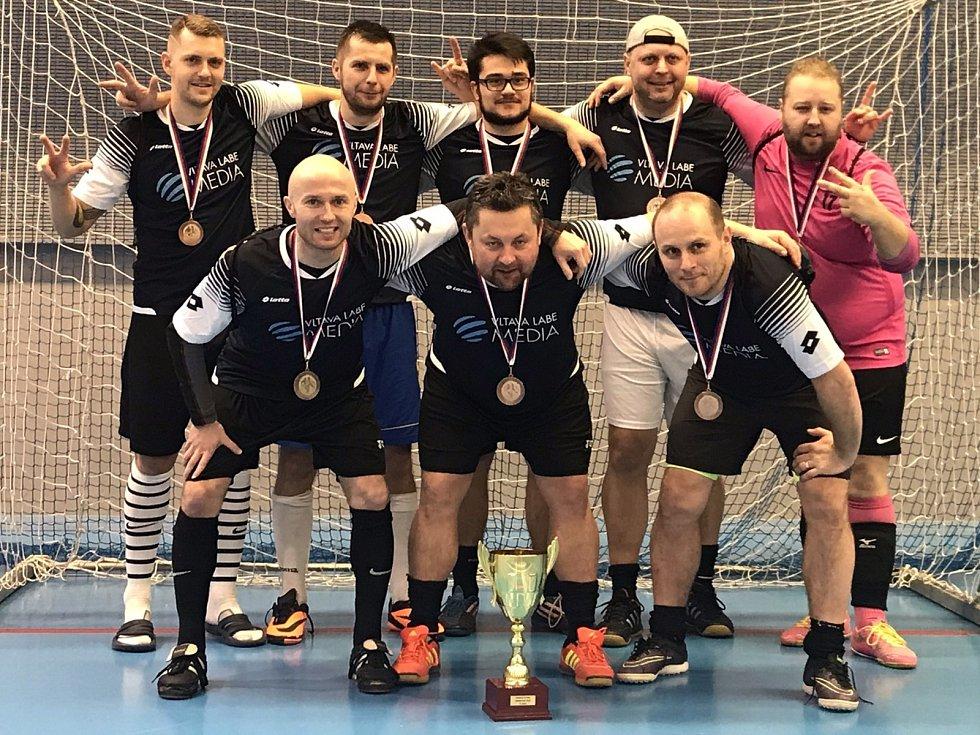 Sportovní redaktoři Deníku obsadili na futsalovém mistrovství mediálních týmů v Berouně třetí příčku.