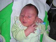 Tatínek Ladislav Martinkovič z Komárova si nenechal ujít narození prvního děťátka, syna Samuela. Samíka přivedla na svět maminka Radka Martinkovičová na první svátek vánoční, 25. prosince. Chlapeček v ten den vážil 3,15 kg a měřil 49 cm.