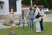 Výtvarnice Marcela Braunnová Regaiolliová v sobotu a v neděli zpřístupnila svoji netradiční zahradu veřejnosti.