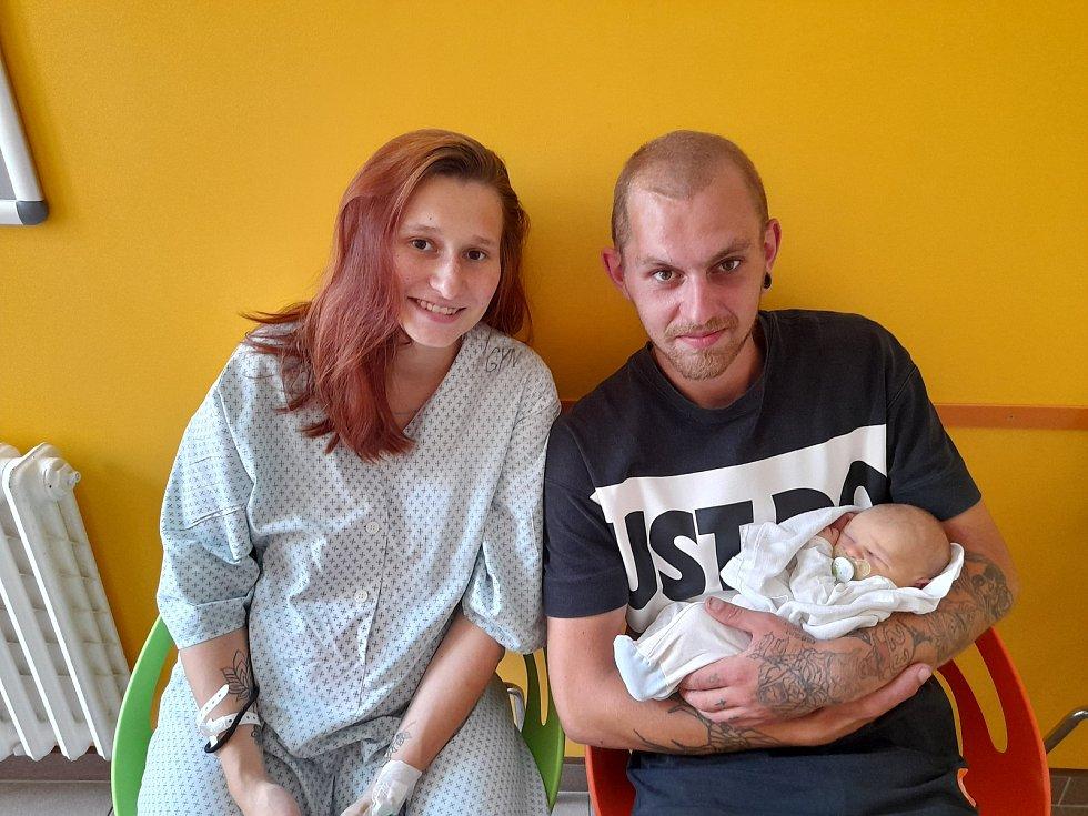 Oliver Vajsar se narodil 21. července 2021 ve 14.51 hodin v čáslavské porodnici. Pyšnil se porodní váhou 3300 gramů a délkou 50 centimetrů. Domů do Třebešic si ho odvezli maminka Kateřina a tatínek Oldřich.