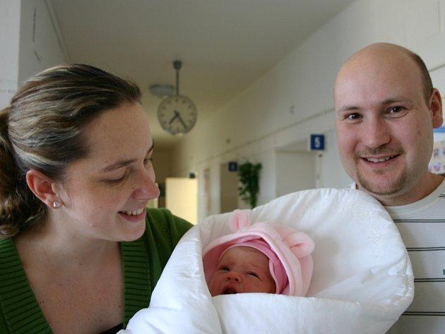 Dcera Lucie se narodila 6. března Tereze a Petrovi Adámkovým z Prahy. Jejich holčička po narození vážila 3,8 kilogramu a měřila 53 centimetrů