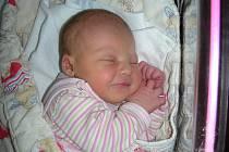 Terezka Dušková se narodila v pondělí 13. září, vážila 3,30 kg a měřila 49 cm. Rodiče Hana a Honza holčičku čekali a tatínek byl na porodním sále mamince velkou oporou. Hračky a kočárek má Terezka přichystané doma v Chyňavě.