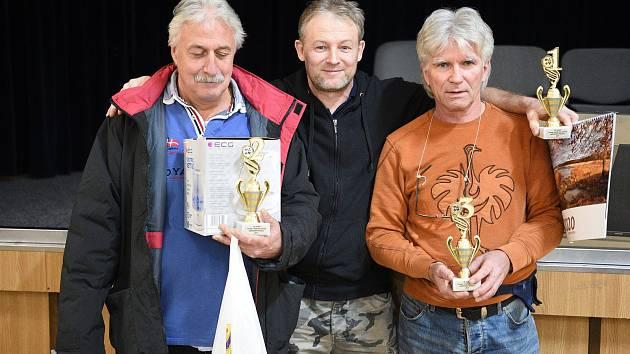 Z patnáctého ročníku Zaječovské penalty - turnaje v křížovém mariáši.