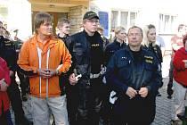 Policie a hasiči hledali stařečka dva dny