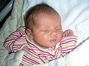 Jméno po prababičce Aleně dostala prvorozená dcerka rodičů Terezy Vávrové a Karla Kluse. Alena se narodila 10. listopadu a v ten den vážila 3,11 kg a měřila 49 cm. Alenku si šťastní rodiče odvezou domů do Dobříše.