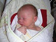 SLEČNA Pichlová přišla na svět ve čtvrtek 9. března 2017 v hořovické porodnici U Sluneční brány. Holčičce sestřičky na porodním sále navážily 3,06 kg. Maminka a tatínek si své prvorozené štěstí odvezli z porodnice domů do Hředel.