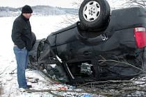 Řidiči měli kvůli počasí na silnici ztížené podmínky. Mnozí nedojeli