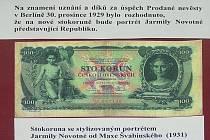 Stokoruna se stylizovaným portrétem Jarmily Novotné od Maxe Švabinského