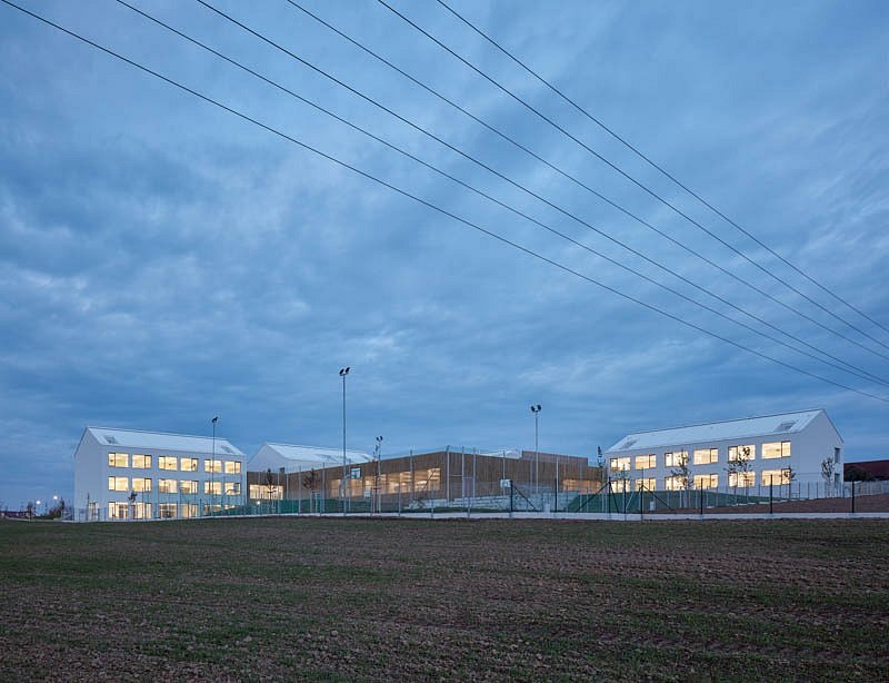 Stavba roku 2020 - nominace - Psáry, ZŠ Amos