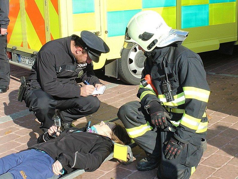 Požár ve Společenském domě Plzeňka byl jen námětem pro cvičení integrovaného záchranného systému.