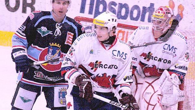 Berounští hokejisté sehráli s Chomutovem vyrovnanou partii