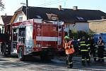 Při požáru zasahovaly čtyři jednotky. Dvě profesionální z Berouna a Hořovic a dvě dobrovolné z Hostomic a Libomyšle.