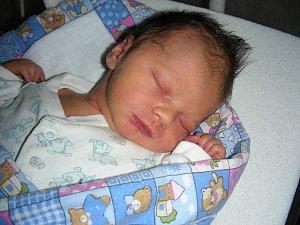 SEBASTIAN Jan Pröckl přišel na svět 14. 4. 2018 v 04.04 hodin. Chlapečkovy porodní míry byly 3,23 kg a 49 cm.