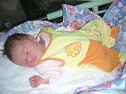 VIVIEN Duchoňová z Berouna přišla na svět 6. srpna 2017, vážila rovné tři kilogramy a je dcerkou rodičů Petry a Petra. Kočárek se sestřičkou Vivien bude vozit o čtrnáct let starší Valerie.