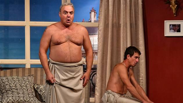 Komedie Dva nahatý chlapi v Hořovicích.
