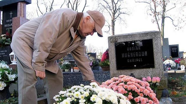 Lidé uctívali památku zesnulých