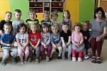 Mateřská škola v Chyňavě: Berušky s učitelkou Martinou Šindelářovou.