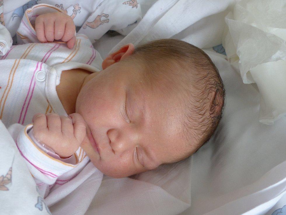 Natálie Moravcová se narodila 9. července 2021 v kolínské porodnici, vážila 3335 g a měřila 47 cm. V Českém Brodě bude vyrůstat s maminkou Janou a tatínkem Jakubem.