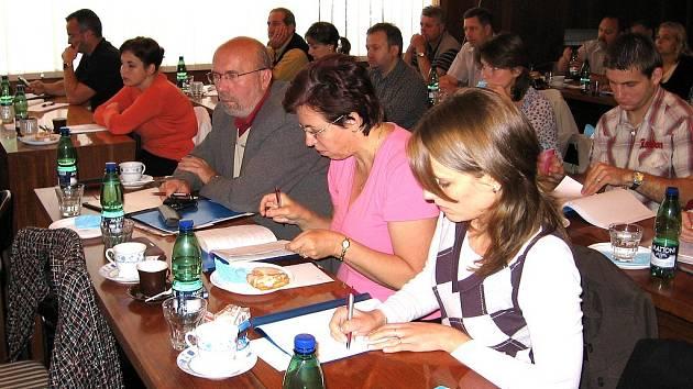 Seminář Úřadu práce v Berouně poskytl důležité informace k  zaměstnávání zahraničních pracovníků