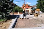 Projekt opravy návsi v Praskolesích si vyžádal zásah do zeleně.