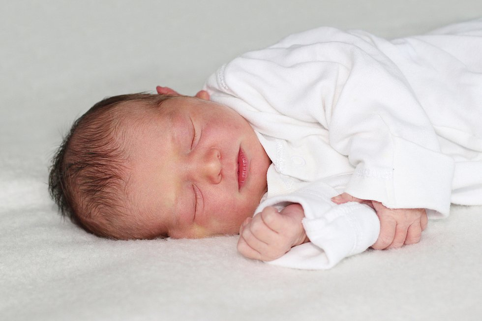 Barbora Lacenová se narodila 10. července 2021 v Příbrami. Vážila 3150g a měřila 51cm. Doma v Podlesí ji přivítali maminka Barbora a tatínek Dominik.