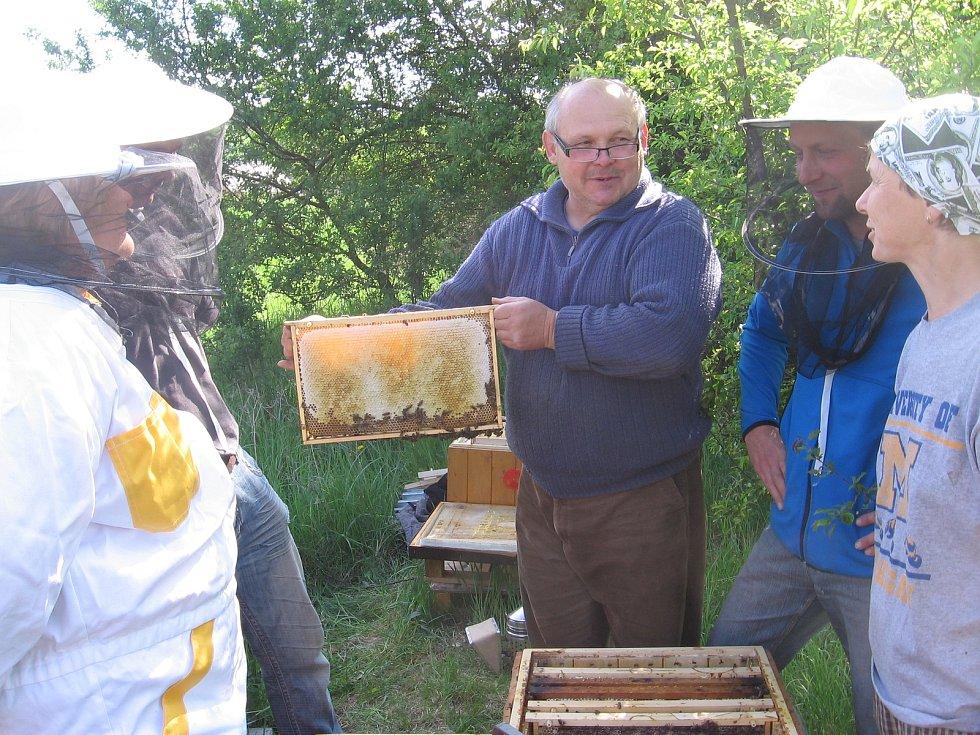 Včelaři.