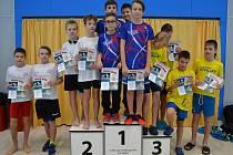 První místo získala štafeta Lokomotivy Beroun. Dolní řada zleva D. Dvořák, M. Palata, horní řada zleva M. Hončík, V. Cihlář.