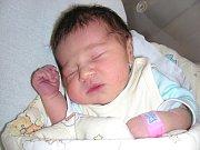 Domů do Strašic si manželé Denisa a Tomáš Žákovi odvezou dcerku Nikol, která se prvně koukla na svět v sobotu 3. května 2014. Nikolce sestřičky v porodnici navážily po příchodu na svět 3,40 kg a naměřily 49 cm.