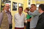 Vernisáž výstavy Martina Tománka v síni Holandského domu.