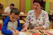 K zápisu do základních škol v Králově Dvoře přišel v letošním roce rekordní počet děti.