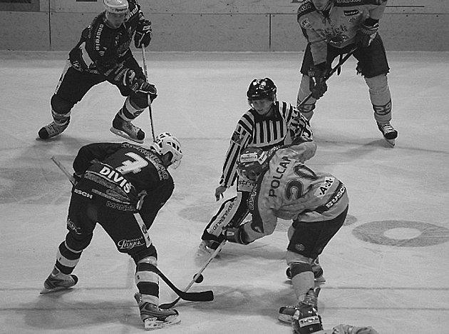 Liga ledního hokeje: Beroun opět na Vysočinu.