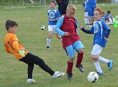 Žákovský turnaj ve fotbale se v sobotu odehrál v obci Stehelčeves. Turnaj se hrál ve dvou věkových kategoriích za účasti domácích, Zákolan a Brandýsku.