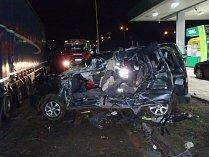 Při tragické dopravní nehodě u obce Tlustice zemřel řidič a spolujezdkyně z osobního vozidla.