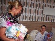 Prvním narozeným miminkem je Stela Hlaváčková. Narodila se v 7.13 hodin, tedy necelých osm hodin po silvestrovské půlnoci.