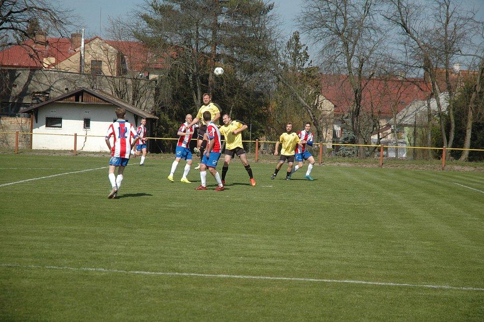 Fotbalová I. B třída: Rudná - Chlumec 0:4.