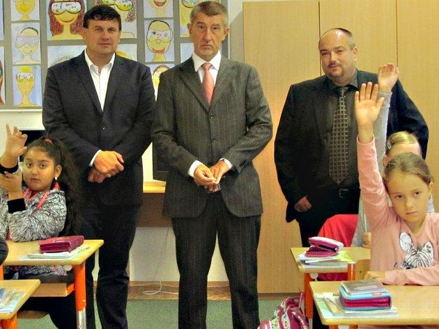 Ministr financí Andrej Babiš na návštěvě Základní školy v Jungmannově ulici v Králově Dvoře.