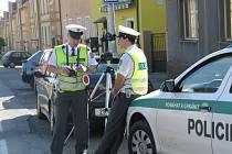 Policisté místo pokut rozdávali pivo