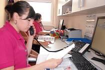 NOVÉ telefonní číslo pro objednávání pacientů do Nemocnice Hořovice je 14 500. Pacienti se dovolají na recepci, kde je operátoři objednají na požadované vyšetření.