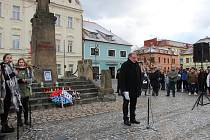 Vzpomínkové setkání na Jana Palacha na Husově náměstí v Berouně.