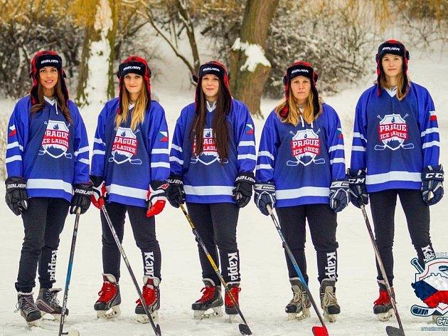 Berounské lvice začínají vKanadě MS vrybníkovém hokeji.