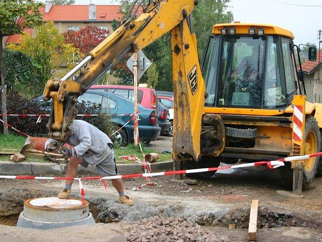 Stavba kanalizace v Hořovicích