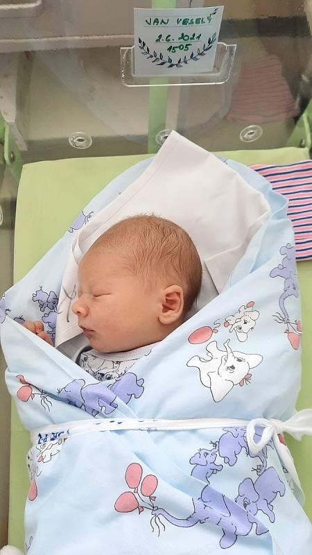 Jan Veselý se narodil 2. června 2021 v kolínské porodnici, vážil 3585 g a měřil 49 cm. V Kolíně se z něj těší maminka Barbora a tatínek David.