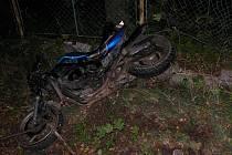 Motorkář zabil staršího muže.