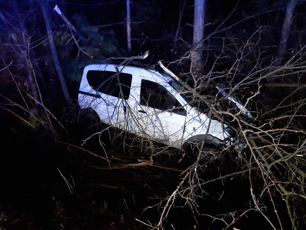 Nehoda dvou osobních automobilů na dálnici D5 v úterý 12. ledna 2021 ráno.