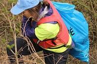 Dobrovolníci úklid - ilustrační foto